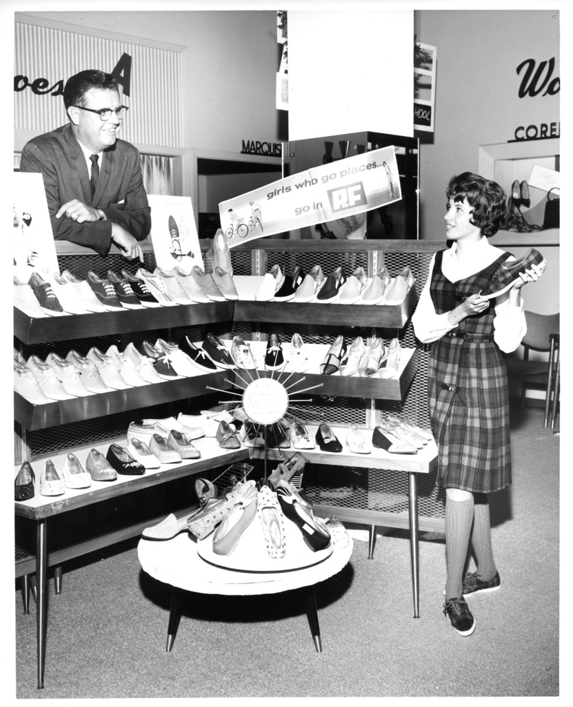 Vintage Shoes Store 17