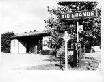 Photograph of Homer Fikes' gas station