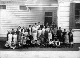 Murray School class photograph, (c. 1913)