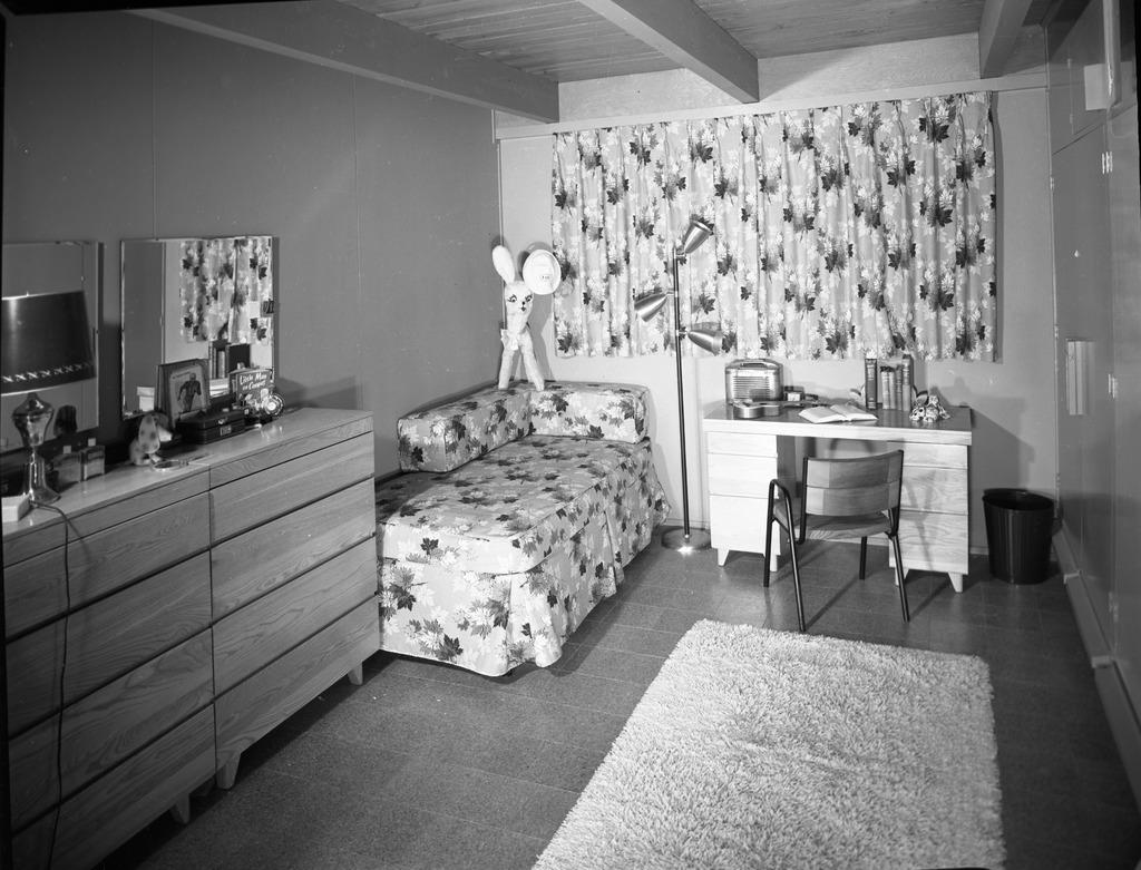 Dorm Room Inside The San Jose State College Kappa Alpha Theta