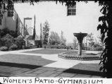 Women's patio - gymnasium / Lee Passmore