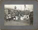 Upland Photograph Events; Fourth of July Parade: crowd at 2nd Avenue and Ninth Street, Upland, CA