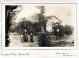 Upland Photograph Houses; Brogan family home / Garden City Photo