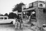 Children in front of the Hernandez Grocery store in Banning, California