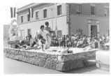 Delano parade float commemorationg Filipino pioneers