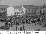 Student meeting / Lee Passmore