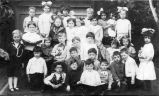 Murray School class photograph, (c. 1914)