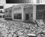 Arvin jeweler and beauty salon damaged in earthquake