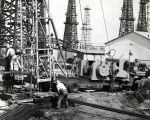 Hoist in use for oil drilling