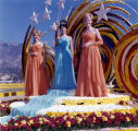 Miss Commerce 1964 Rosalie Galloway and her court at Tournament of Roses parade
